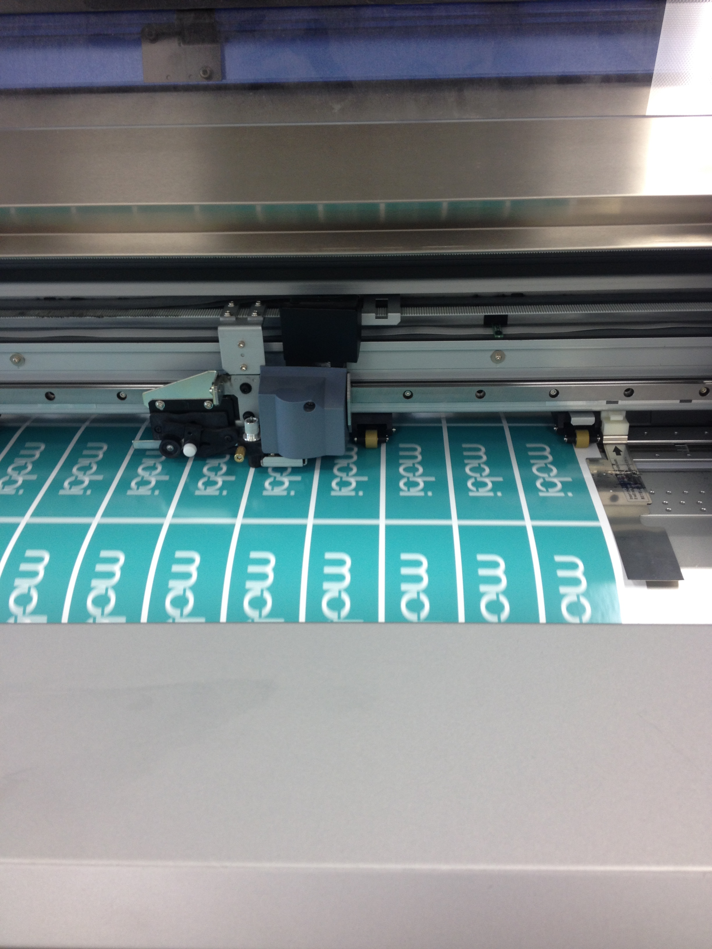 the sticker vinyl cutter